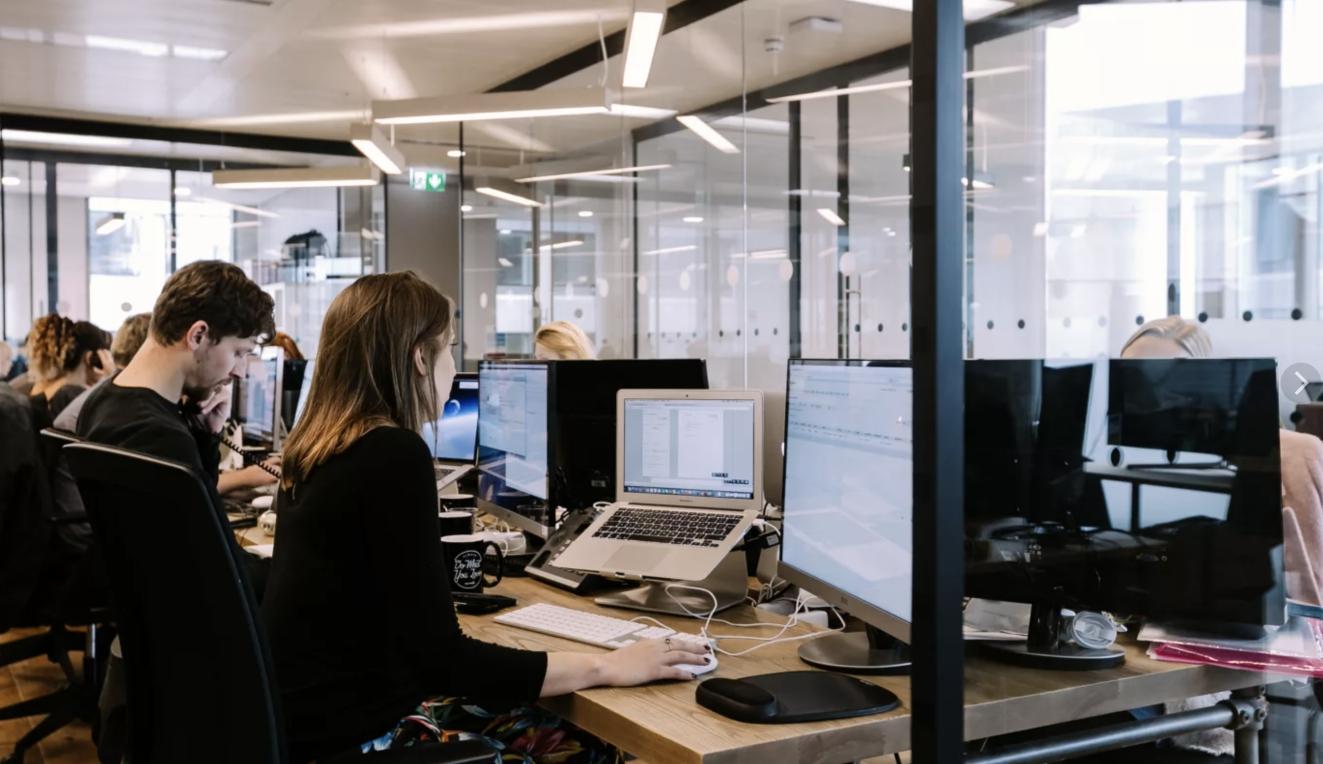 """Мы против: что пугает офисных сотрудников в новых """"гибких"""" офисах"""
